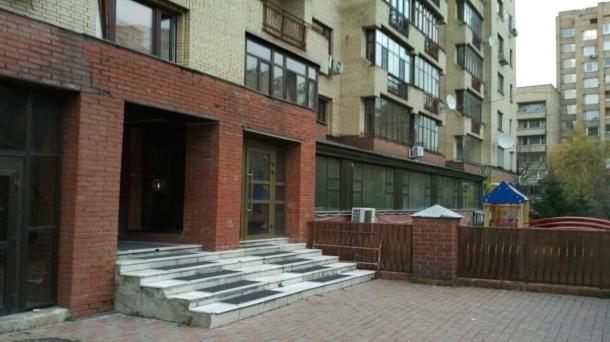 Продаю помещение свободного назначения 366м2, метро Смоленская, Москва