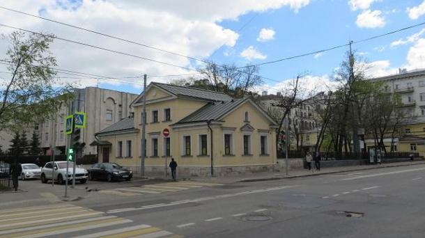 Здание 493 м2 , метро Полянка