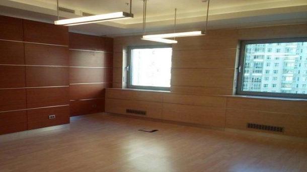 Сдаю офис 477.4м2, метро Дубровка, 1074150руб.