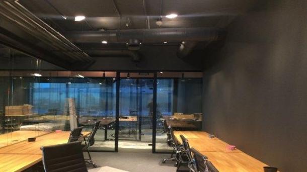 Офис 36м2, Международная