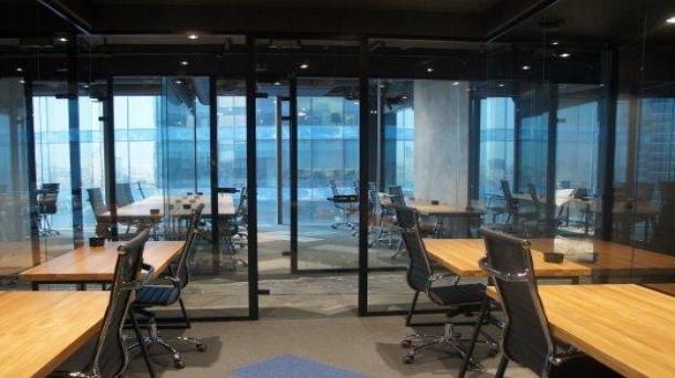 Офис 27м2, Международная