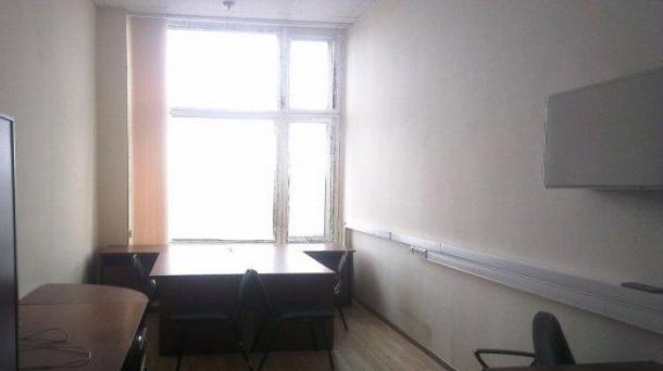 Офис в аренду 131.1м2,  метро Улица Академика Янгеля
