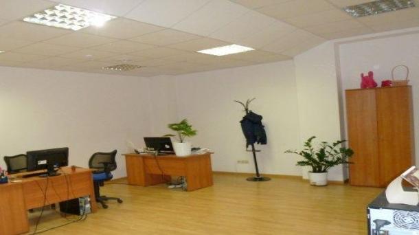 Офисное помещение 383.3м2, метро Театральная, 447312руб.