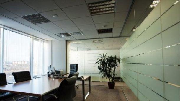Площадь под офис 1000м2,  1333000руб.