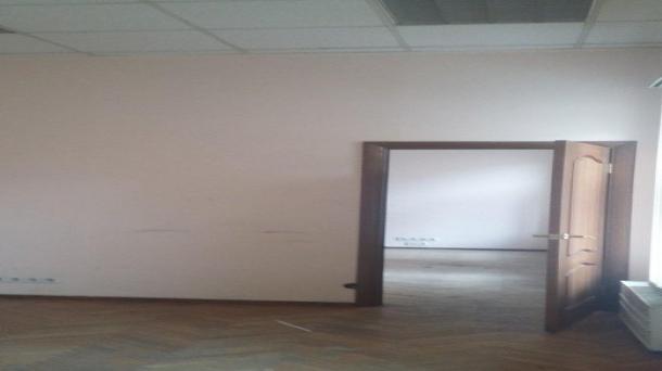 Площадь под офис 176м2,  293392руб.
