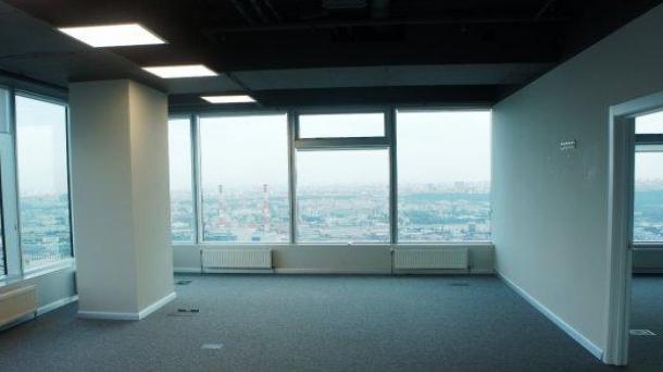 Сдаю офисное помещение 270.08м2,  метро Деловой центр