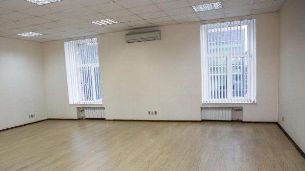 Сдаю офис 32.6м2,  метро Комсомольская