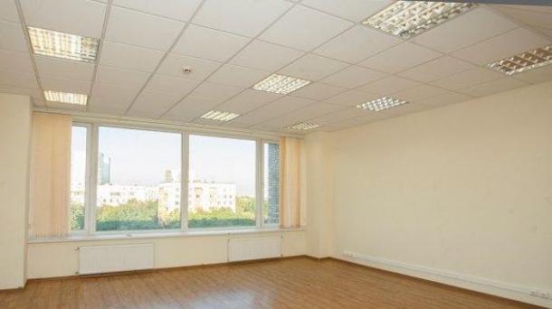 Сдам в аренду офисное помещение 52м2,  65000руб.