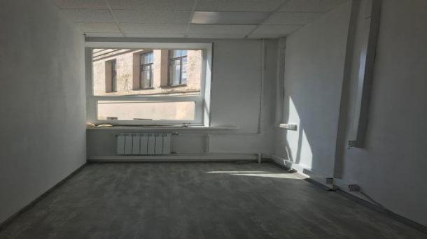Офис 33 м2 у метро Достоевская