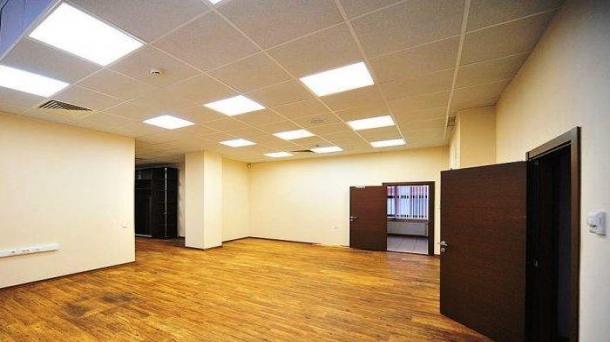 Здание в аренду 3382м2,  Москва
