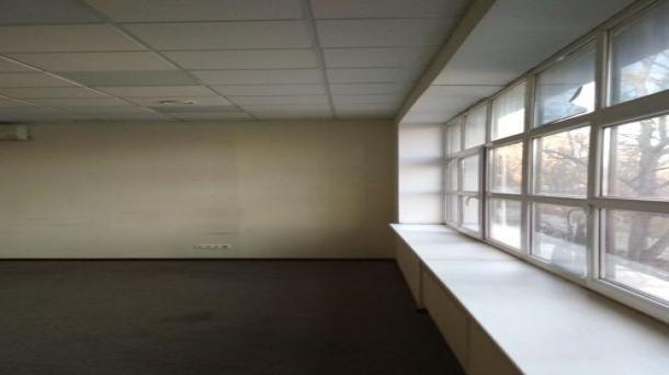 Сдам в аренду офисное помещение 53.2м2, 750руб.,