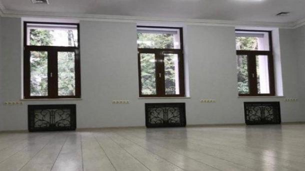 Сдается отдельно стоящее здание 1900м2, Москва, метро Спортивная