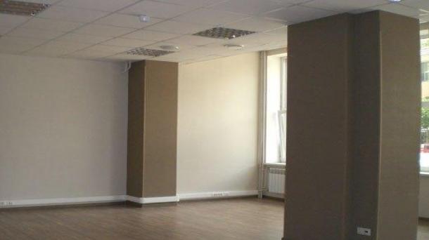 Сдам офисное помещение 1045.2м2,  метро Киевская