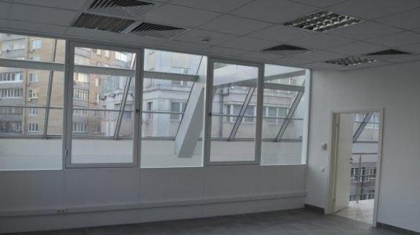 Офис 30.4 м2 у метро Полянка
