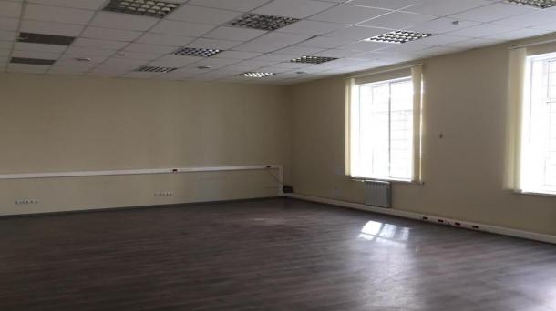 Аренда офисного помещения 1400м2,  1050000руб.