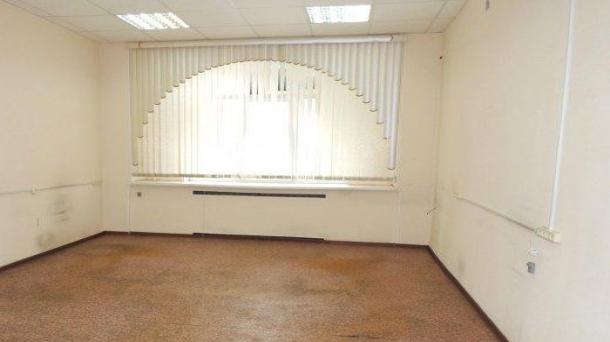 Офис 33 м2 у метро Авиамоторная