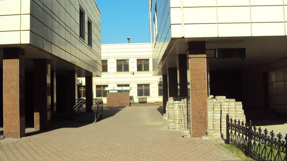 Объект 2036326: тип аренды: прямая срок аренды: длительный об объекте:площадь: 108 м0b2 этаж: 1 из 15 вход